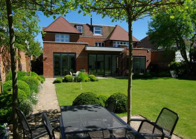 Detached townhouse with beautiful garden enlarged to make it even better.